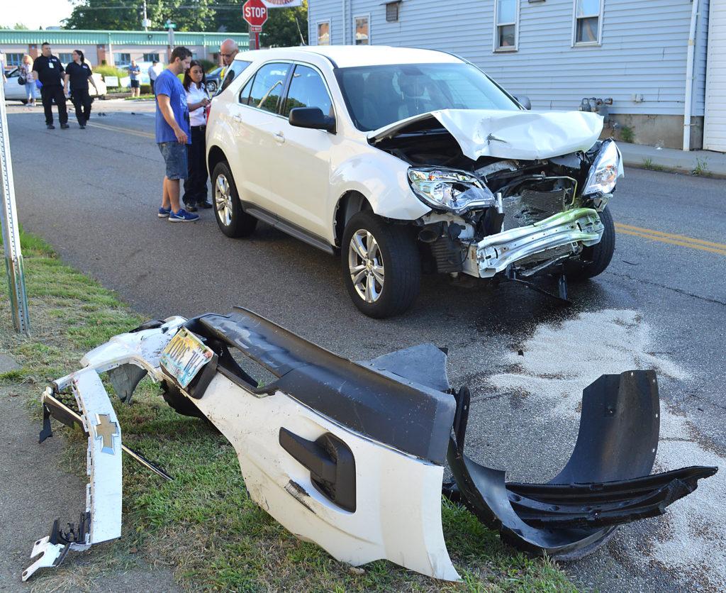 Three-vehicle accident in Salem | News, Sports, Jobs - Salem