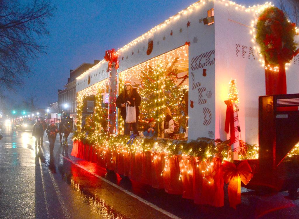 Christmas City Vet.Gallery Lisbon Christmas Parade News Sports Jobs