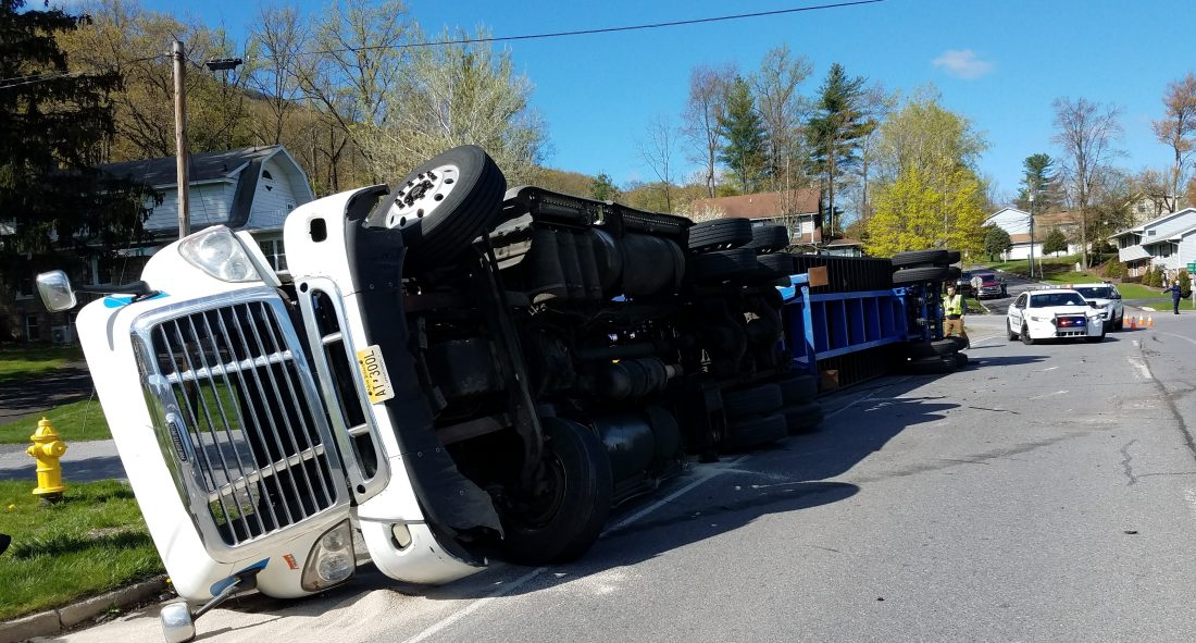 None injured in tractor-trailer accident | News, Sports
