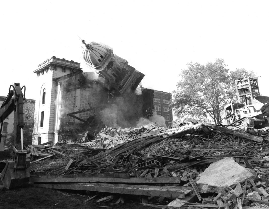 e9055c8c42f41 A landmark falls 50 years ago