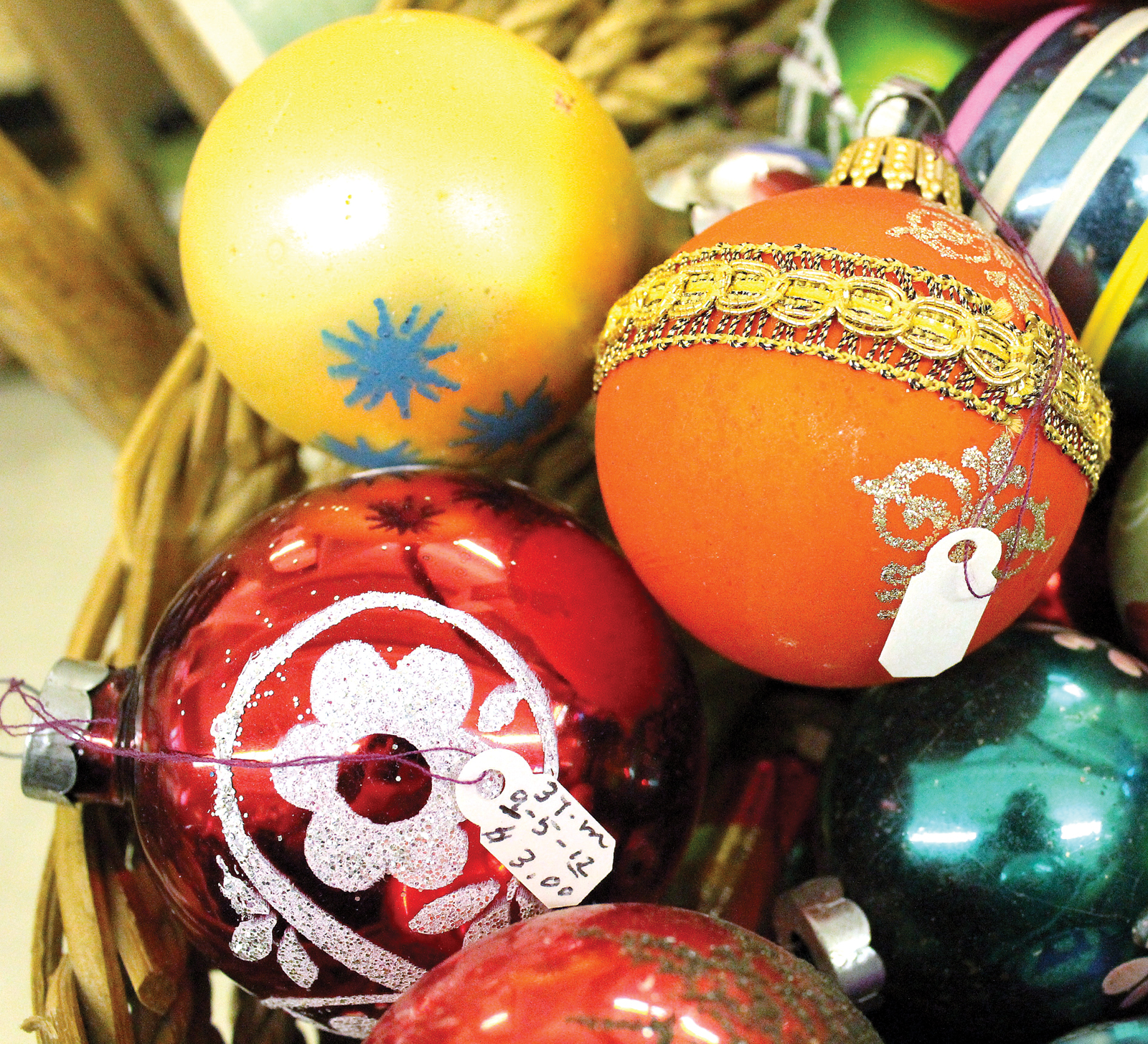 Old Fashioned Christmas Bulbs And Decorations News Sports Jobs