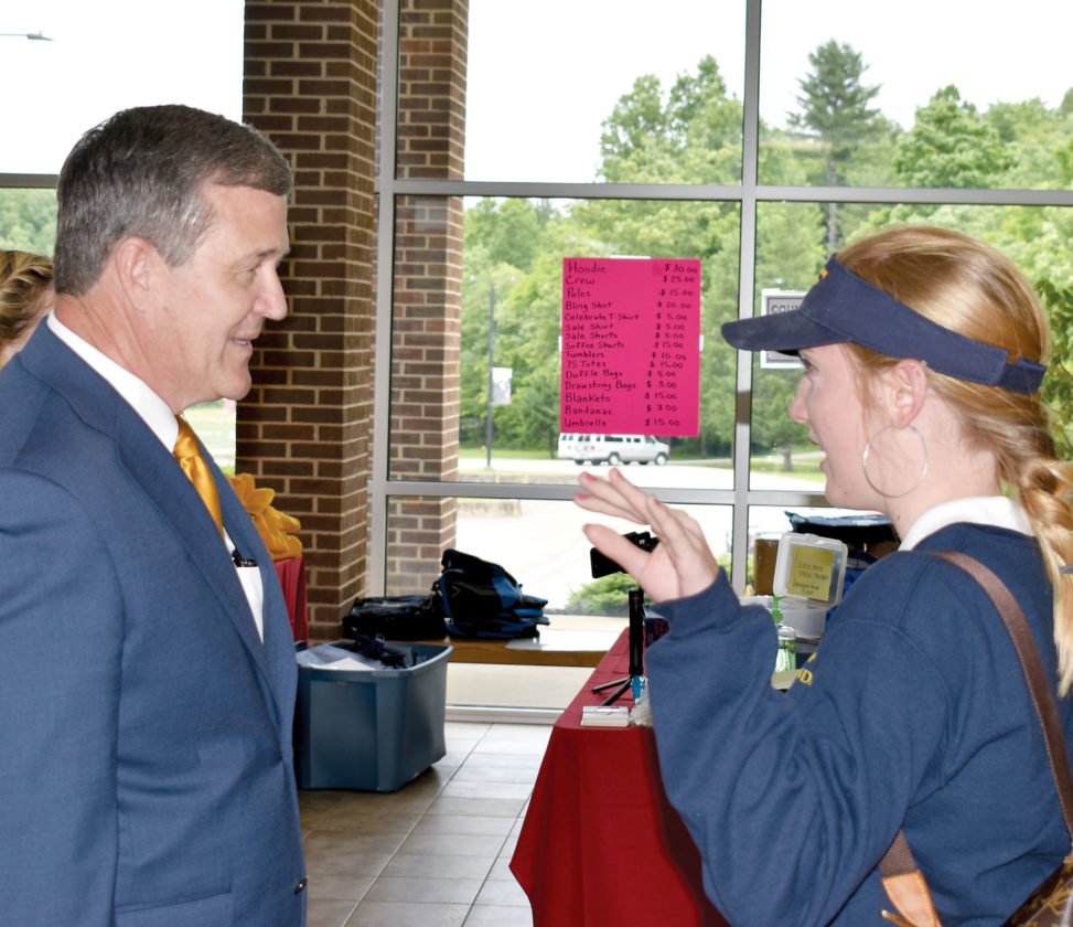 Warner discusses elections, voting   News, Sports, Jobs - The