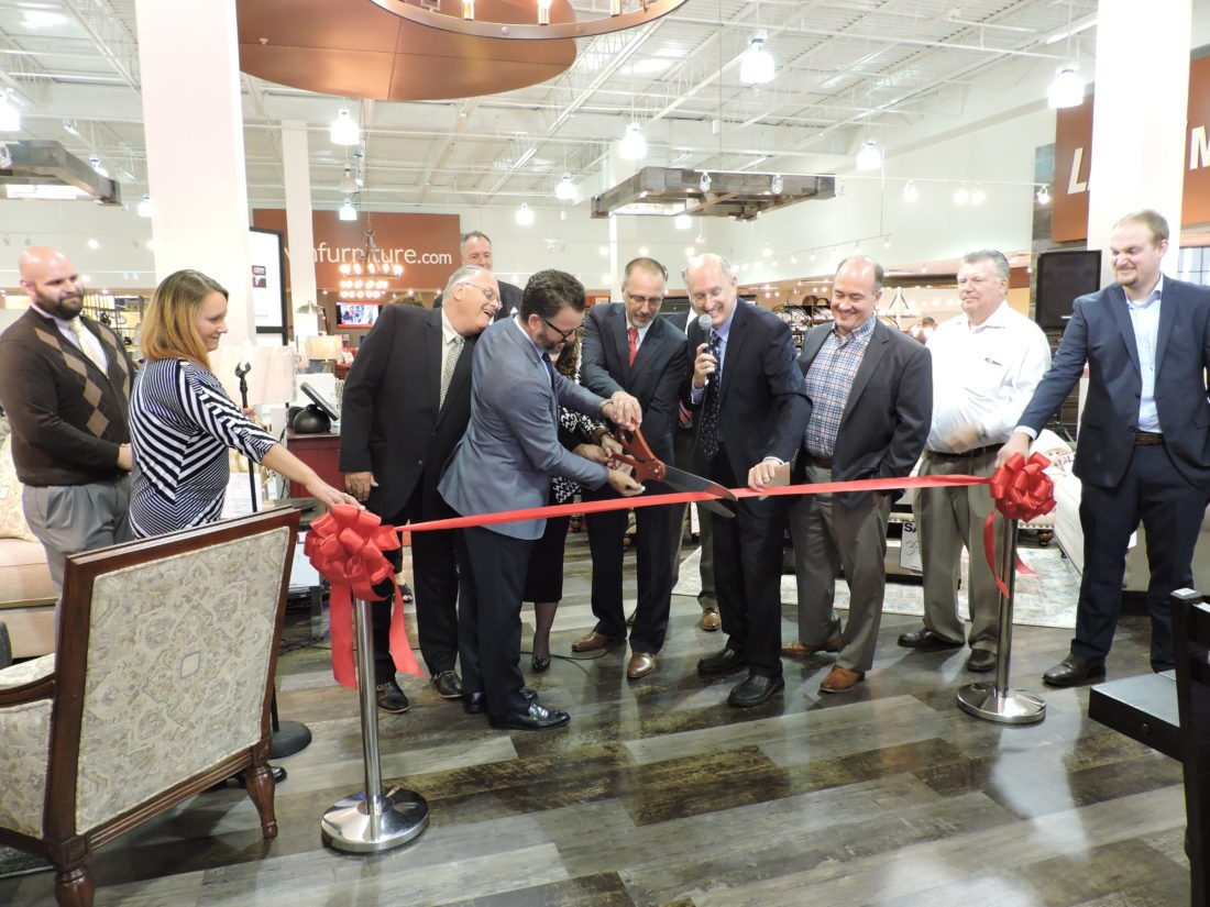 Levin Furniture And Mattress Officially Opens News Sports Jobs