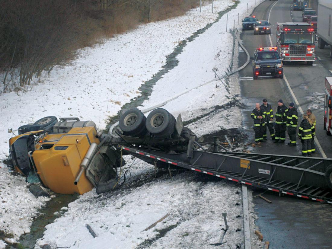 Tractor trailer crashes on thruway | News, Sports, Jobs