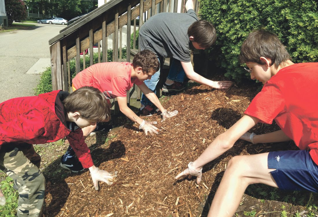 Beaty Gives students lend a hand | News, Sports, Jobs