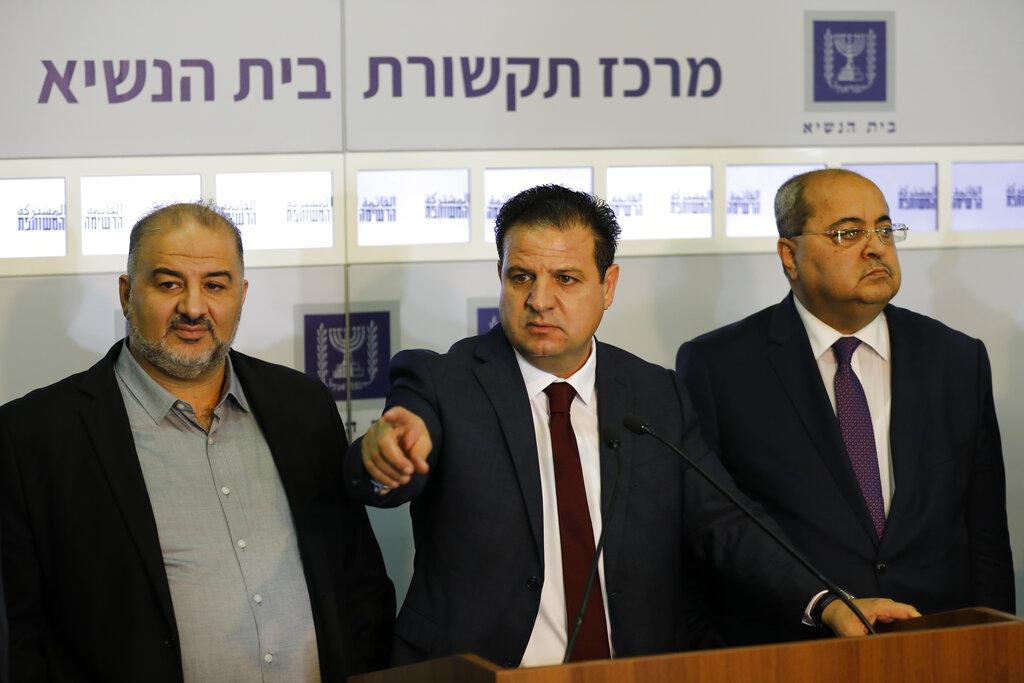 Arab lawmakers endorse Gantz for PM