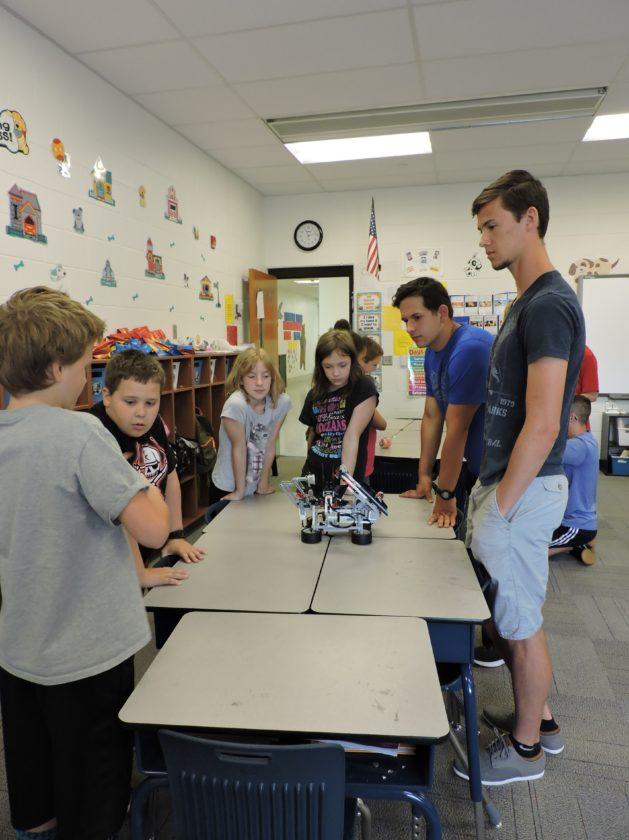 Weir Robotics Club Puts On Show News Sports Jobs Weirton Daily