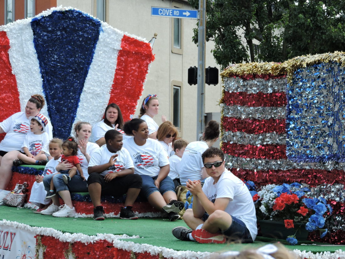 City goes 'red, white and boom' | News, Sports, Jobs ... - photo#12
