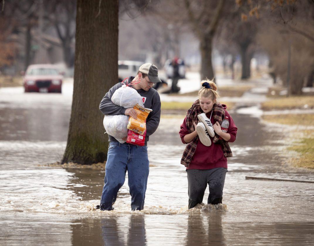 Missouri River overtops, breaches levees | News, Sports, Jobs