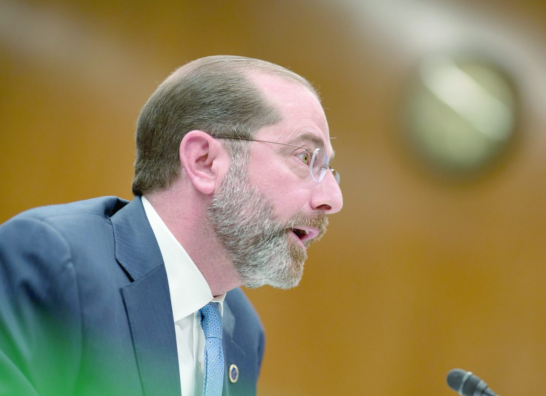 USA short on coronavirus facemasks, ventilators: HHS secretary