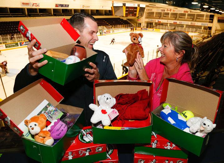 Operation Christmas Child Shoebox.Petes Hosting Operation Christmas Child Shoebox Packing