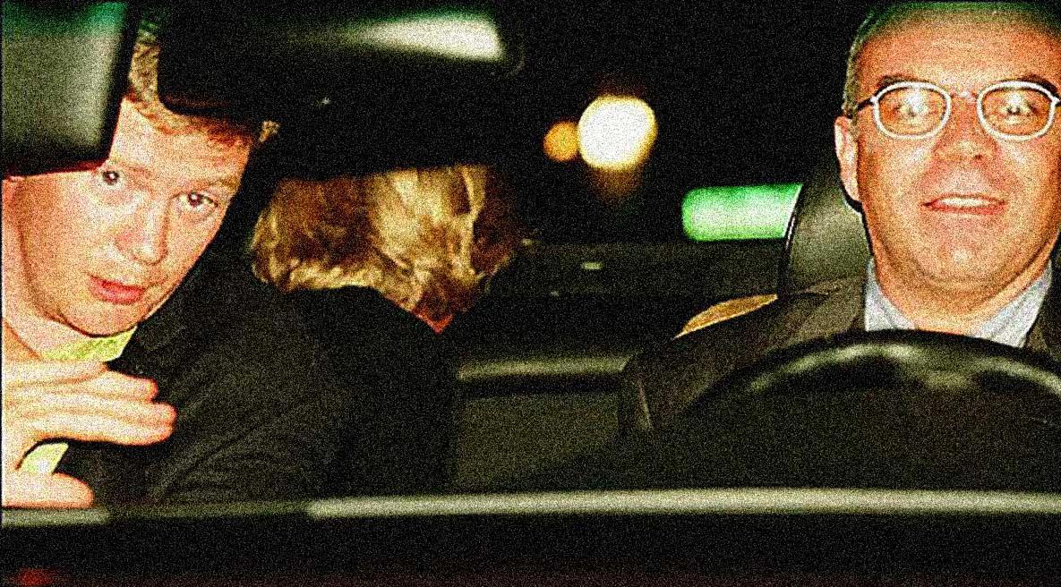 Princess Diana escaping Paparazzi - August 30, 1997