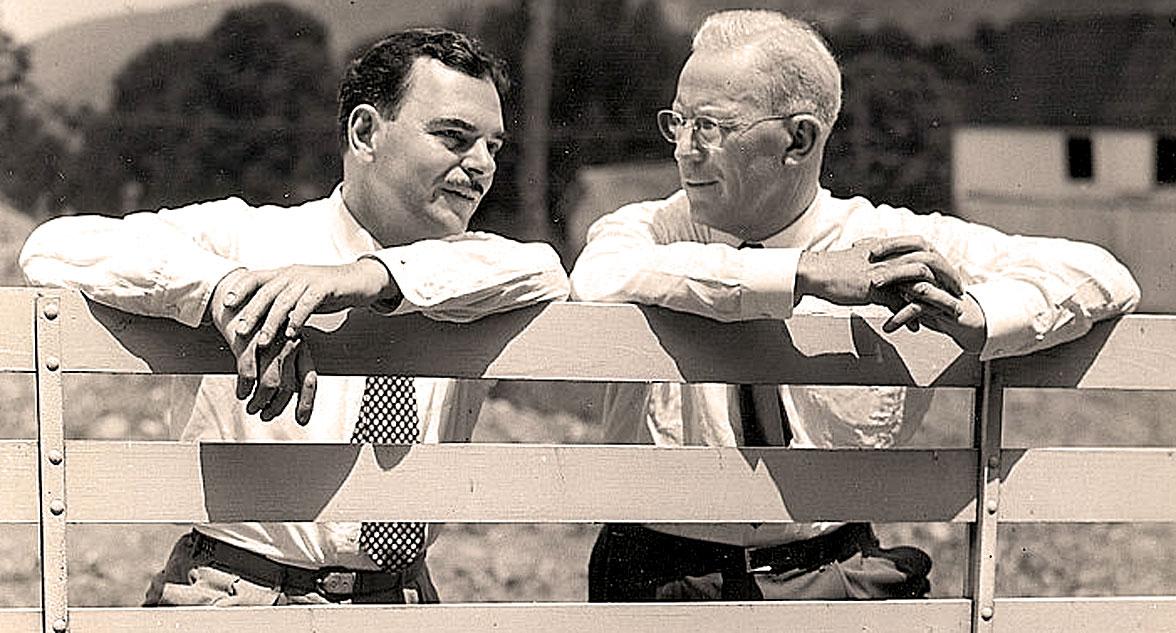 Thomas E. Dewey (L) and Earl Warren (R)