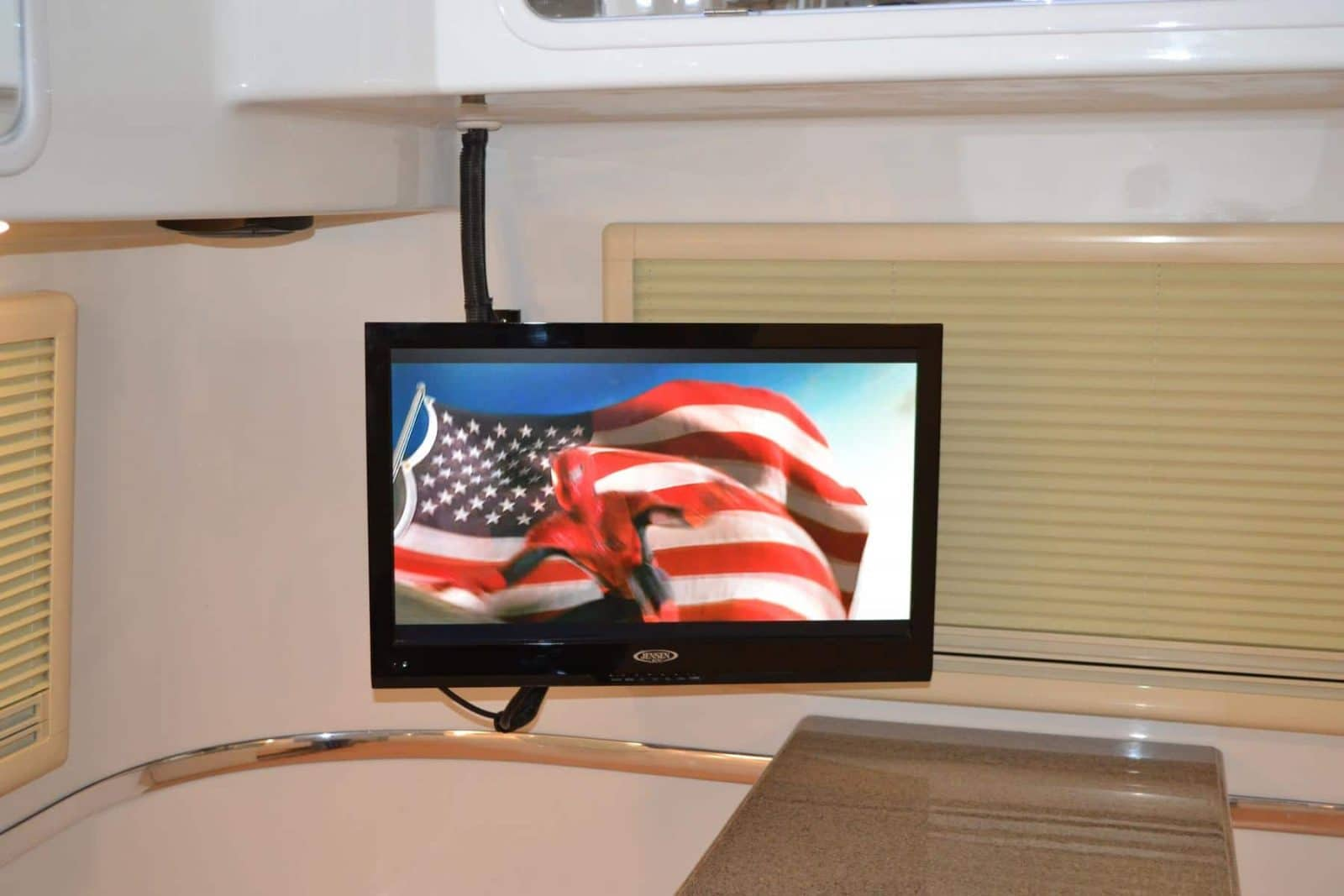 oliver travel trailers standard options 24 inch flat screen tv