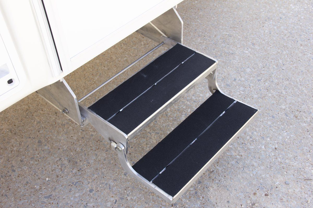 oliver travel trailers standard features aluminum double entry steps