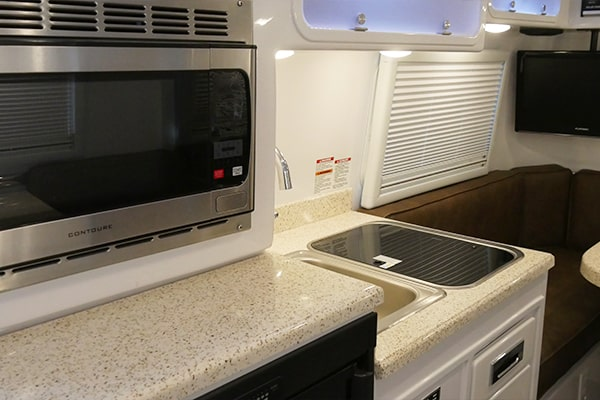 Small Travel Trailers Legacy Elite 1 kitchen reading lights
