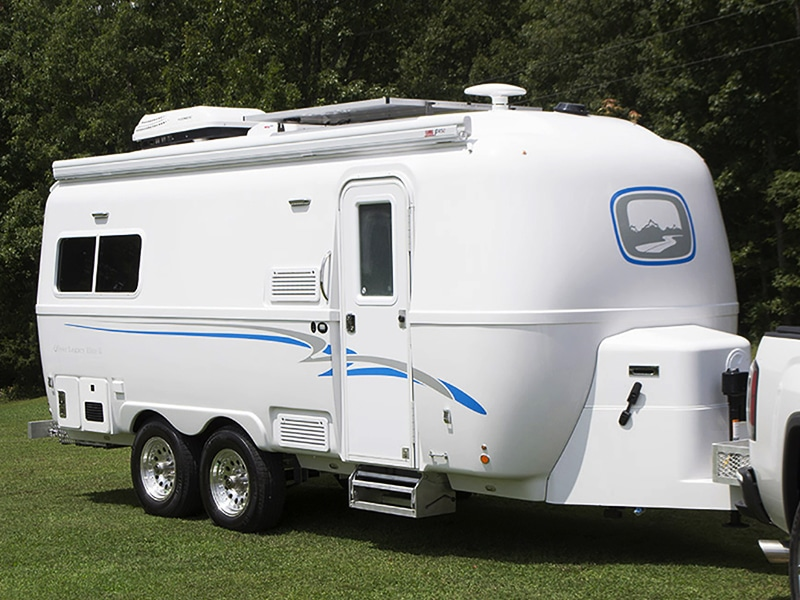 travel trailers legacy elite 2 hero