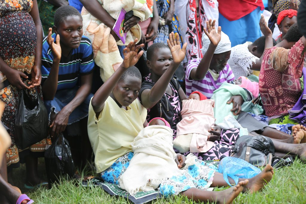 A Mother-to-Mother support group meeting at the Lusheya Health Facility in Kakamega County. MI-Kenya supports the Ministry of Health to use these groups to share key maternal health and nutrition messages.