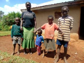 These community health workers are changing lives, one mom at a time