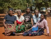 Community support groups deliver HIV treatment in Mozambique