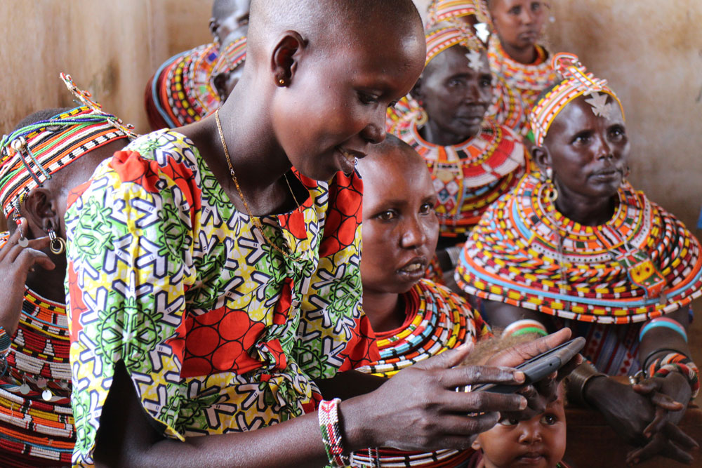 These tablets bring information and empowerment to women in rural Kenya - ONE
