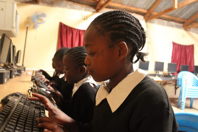 How internet access is making a BIG difference at this primary school in Kenya