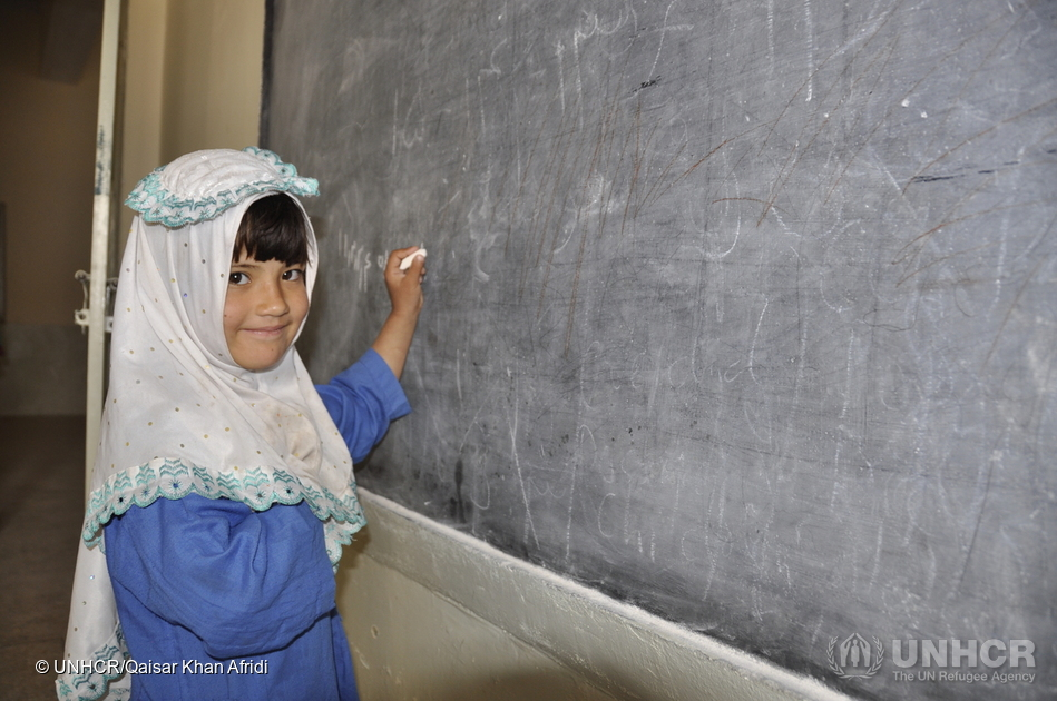 Five-years-old Saba is an Afghan refugee, living in Kebabian refugee village, in the north-western Pakistani province of Khyber Pakhtunkhwa. (Photo credit: Qaisar Khan Afridi/UNHCR)