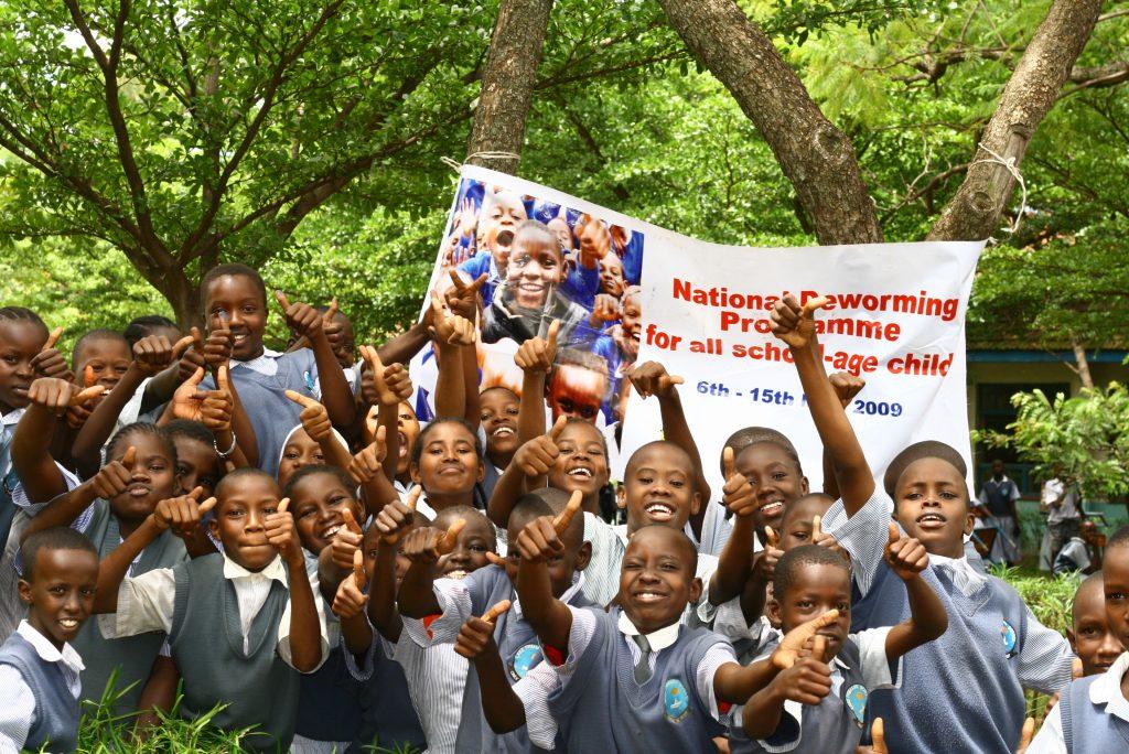 A deworming program in Kenya. (Photo: Alissa Fishbane | J-PAL/IPA)