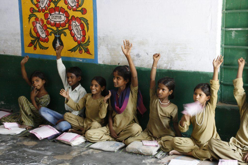 Girls in school in India. (Photo: Francisca de Iruarrizaga | J-PAL/IPA)