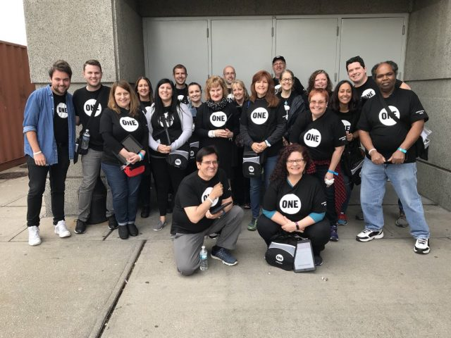 Chicago's ONE volunteers take action at U2's eXPERIENCE + iNNOCENCE Tour