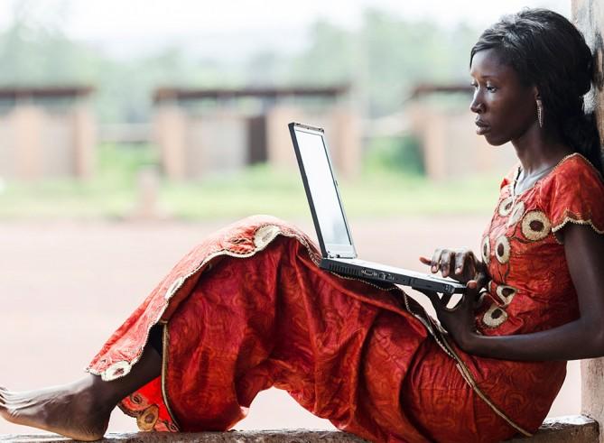 Internet für alle: Warum dies dabei helfen kann, extreme Armut zu beenden