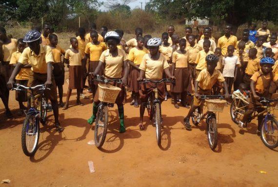 Wie Bernice mit Bambus-Fahrrädern ihre Gemeinschaft in Ghana stärkt