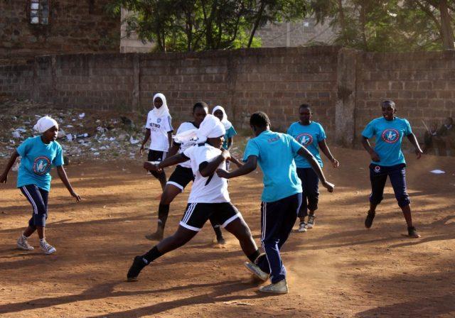 Wie ein Fußballverein in Kenia das Leben von Mädchen verändert