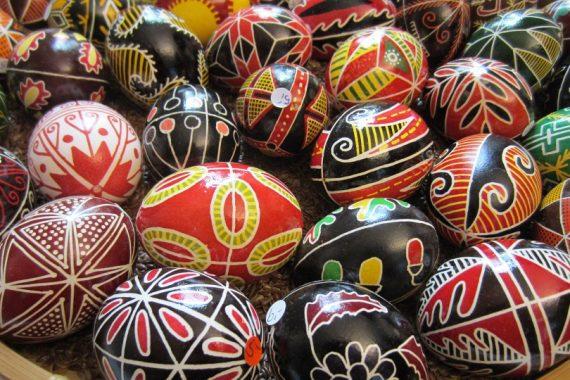 Osterhasen und Eiersuche? Osterbräuche in afrikanischen Ländern