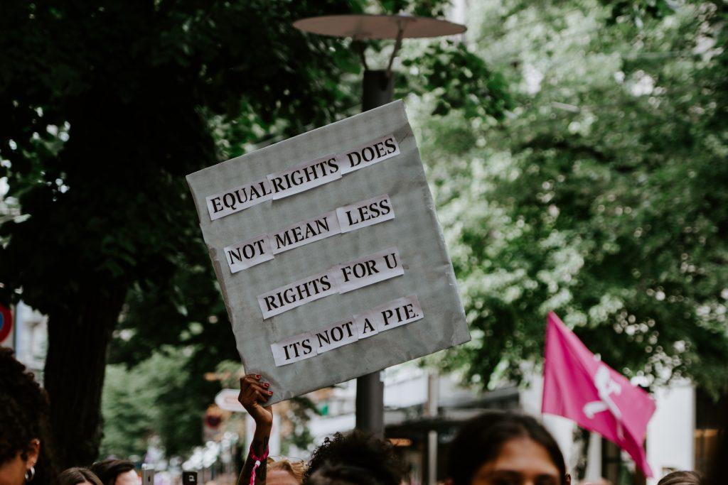 Gleiche rechte für alle - ONE