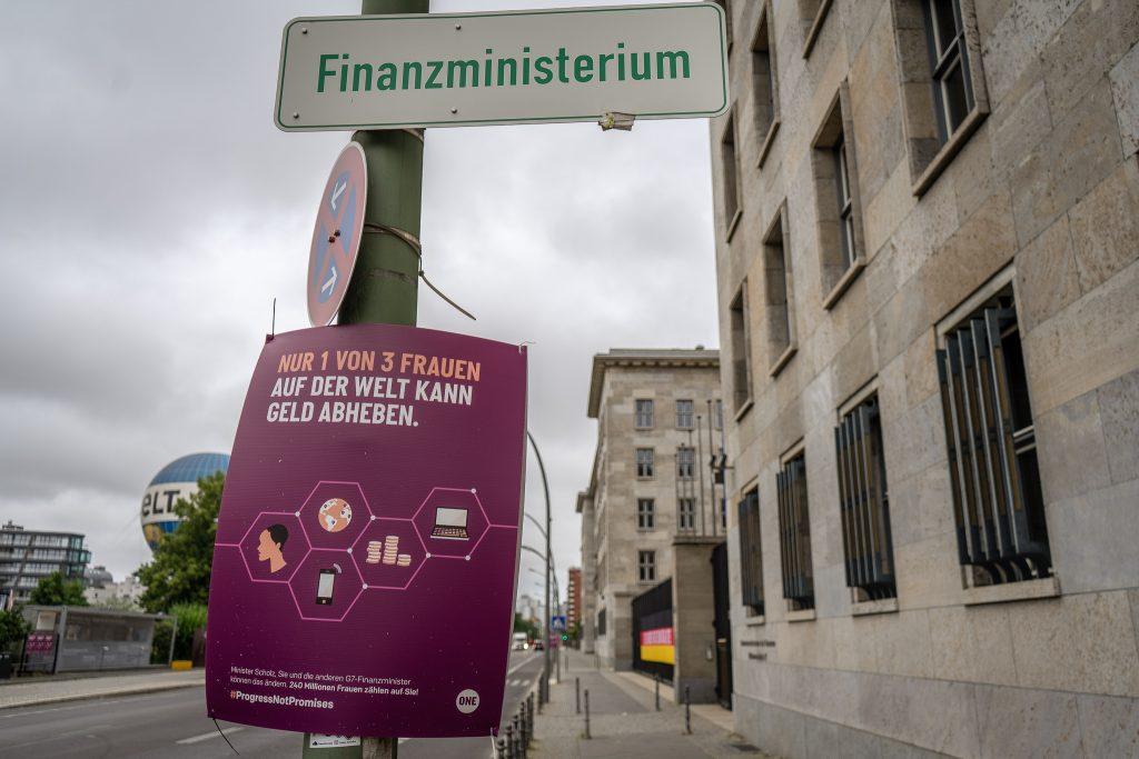 Finanzministerium Geld Frauen