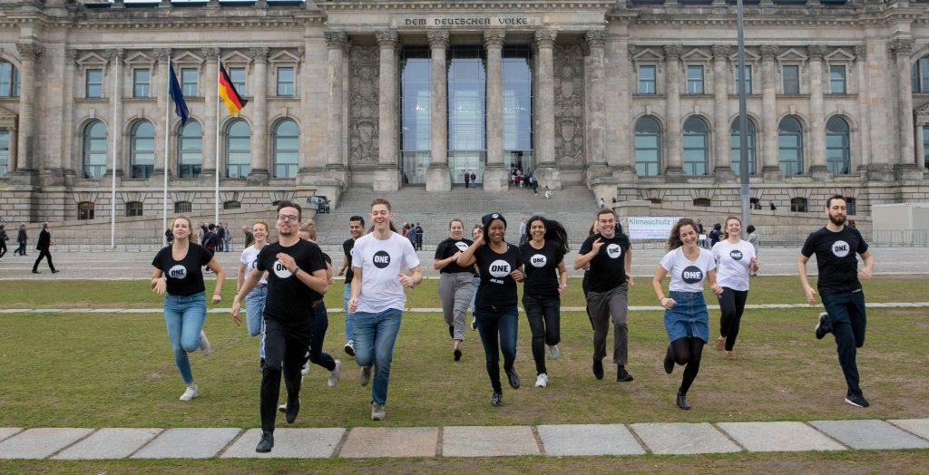 ONE-Jugendbotschafter*innen bereit für den Bundestag