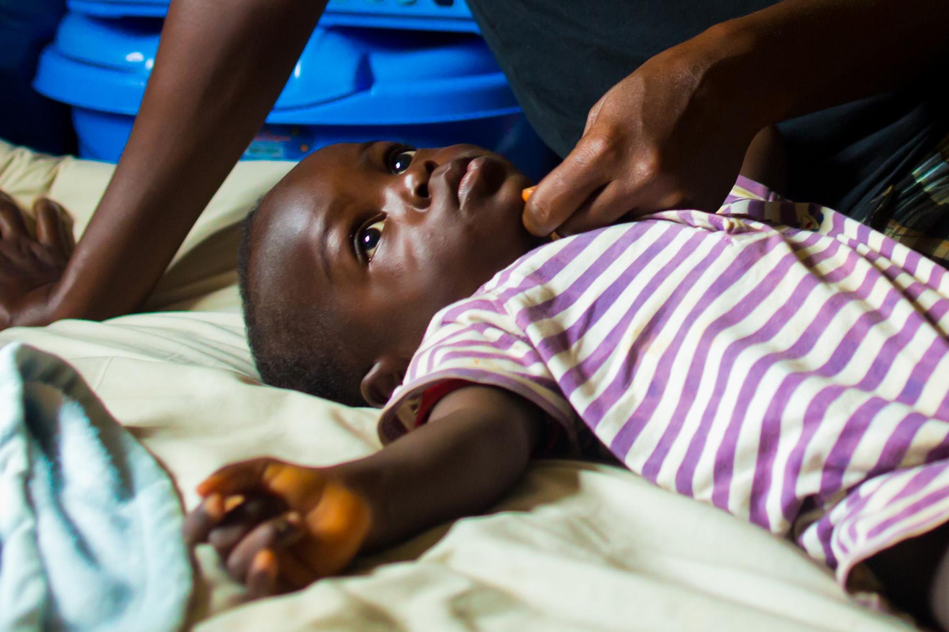 Les dirigeants mondiaux s'engagent à investir 12 milliards de dollars pour lutter contre le sida, la tuberculose et le paludisme.