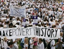 """10 ans après """"Make Poverty History"""" : les dirigeants mondiaux ont-ils tenu leurs promesses ?"""
