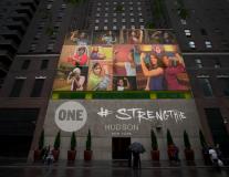 Vos noms et photos projetés à New-York pour dénoncer la #PauvreteSexiste