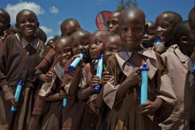 Lifestraw : la paille qui rend l'eau potable !
