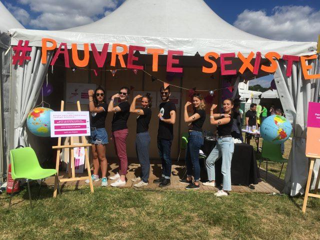 Grâce aux jeunes Ambassadeurs, des festivaliers mobilisés contre la #PauvretéSexiste à Solidays !