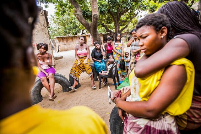 Au Kenya et au Rwanda, une start-up livre des tampons et des préservatifs aux femmes dans le besoin