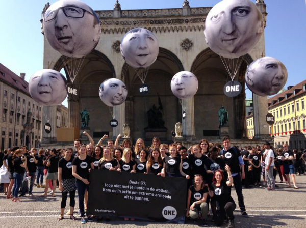 ONE Youth Ambassadors with our giant G7 leader balloons, ask them to deliver #MoreThanHotAir at the 2015 Summit in Germany. Photo: ONE