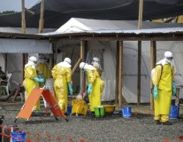Ebola: more health workers needed to halt outbreak