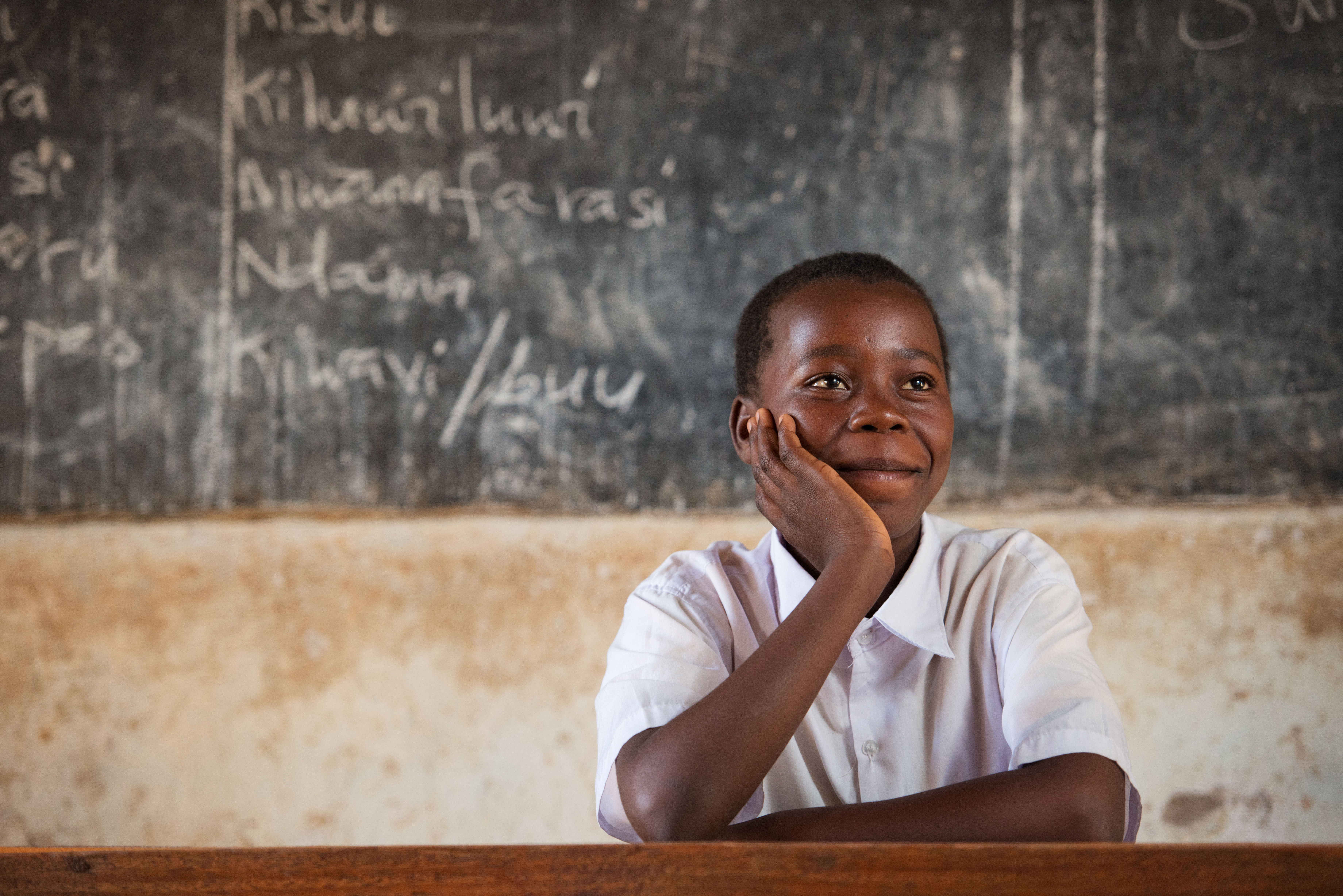 The moment President Obama responded to 15-year old Eva from Tanzania's letter