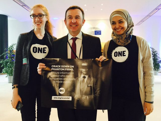 Youth Ambassadors in Brussels to fight corruption