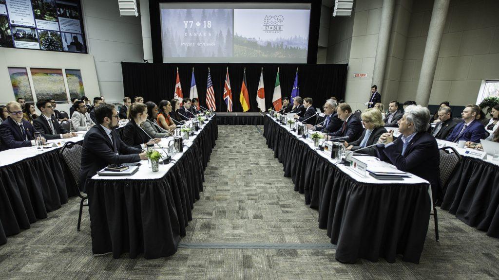Debating-at-eye-level-with-G7-delegates-