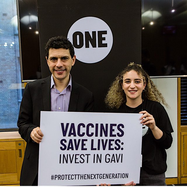 ONE's UK supporters show the love for vaccines