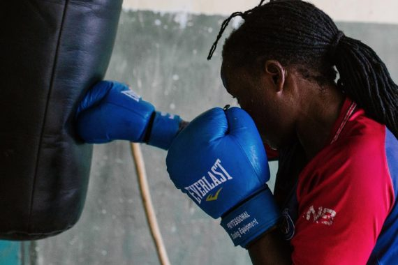 Lulu the boxer fights for recognition of women boxers